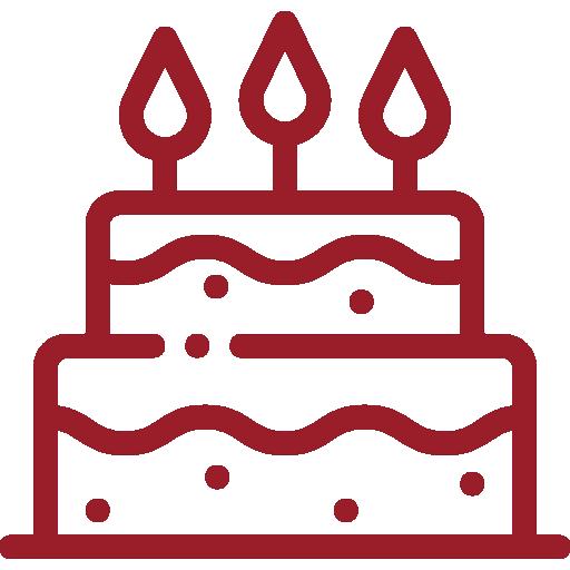 Feierliche Torte mit Kerzen